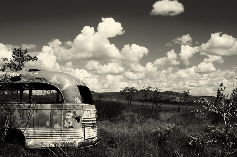 Abandoned bus - Australia. Old exploration prospect post in the outback stock photography