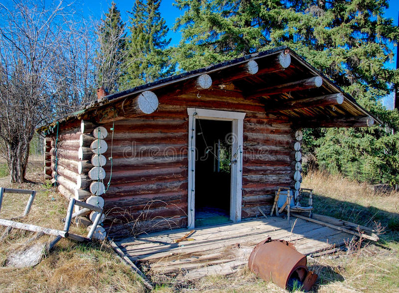 Abandoned cabin along the alaska highway editorial photo for Alaska cottage