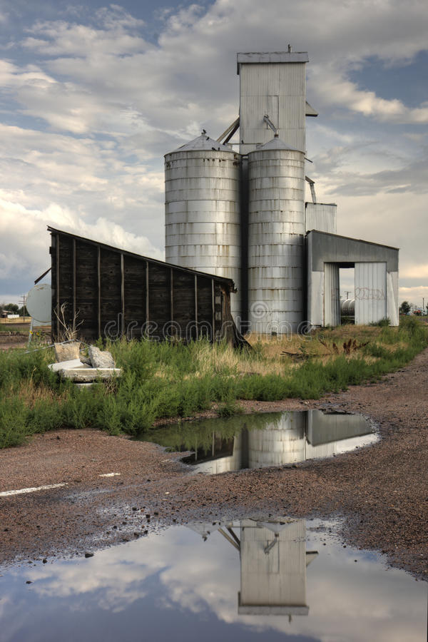 Download Abandoned grain elevator stock photo. Image of farmland - 26197568