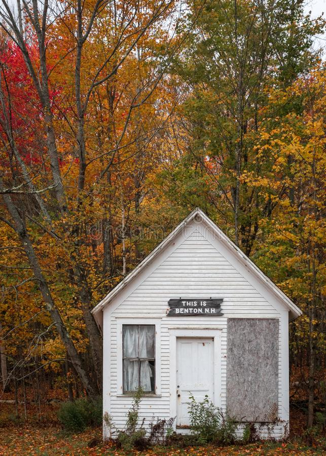 Abandoned schoolhouse in Benton New Hampshire in peak fall color stock photos