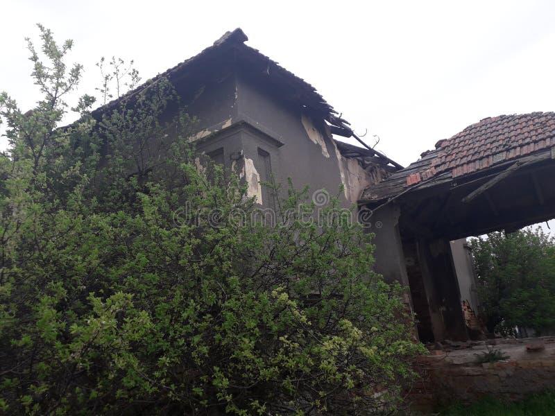 Abandonné à la maison photographie stock libre de droits