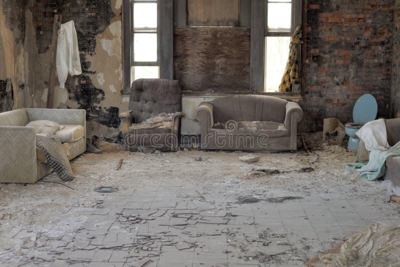 Abandonner-maison photo libre de droits