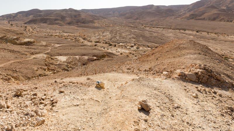 Abandonnez la vue de paysage de vallée d'inscription de traînée de montagnes, nature de l'Israël image stock