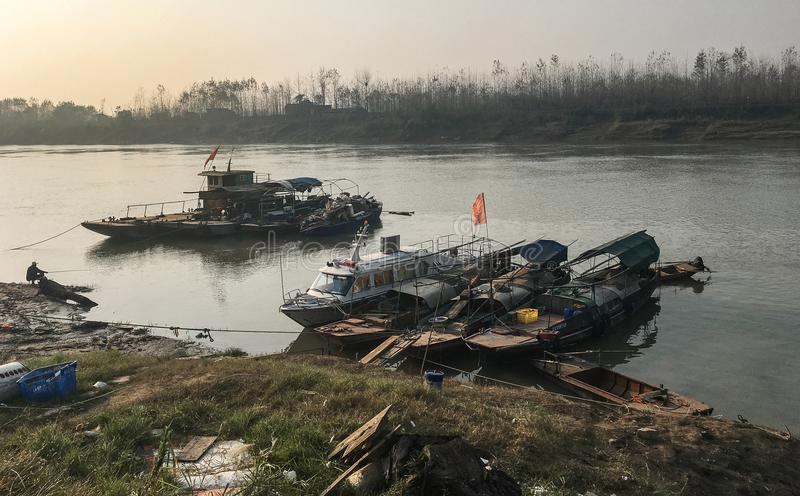 Abandono do navio - ao longo do Rio Yangtzé fotos de stock