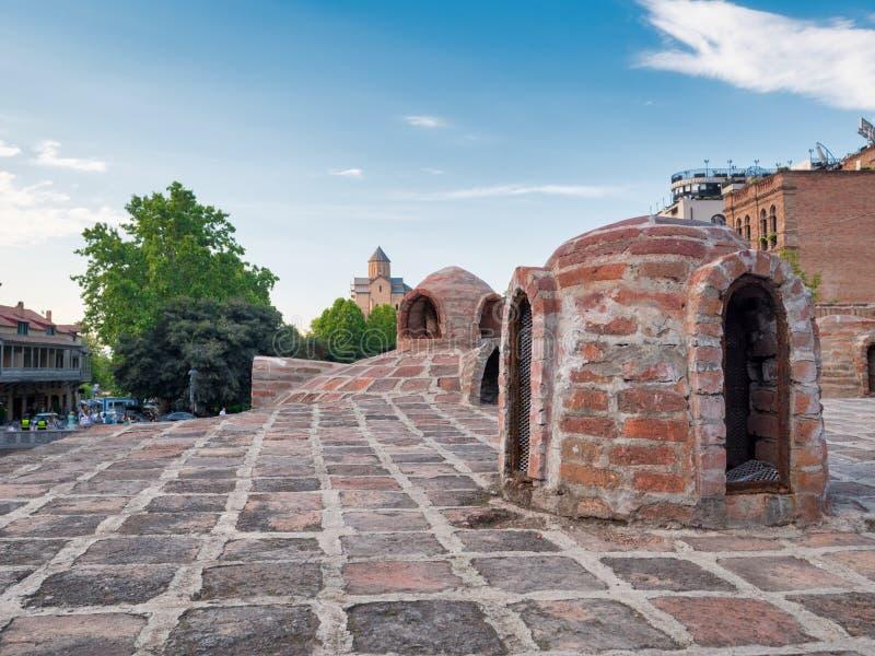 Abanotubani - forntida område av Tbilisi, Georgia som är bekant för dess svavel- bad royaltyfria foton
