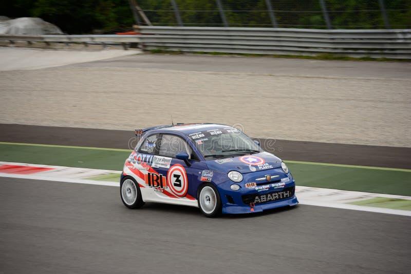 Abarth 695 Evo Trofeo in Monza lizenzfreie stockfotos