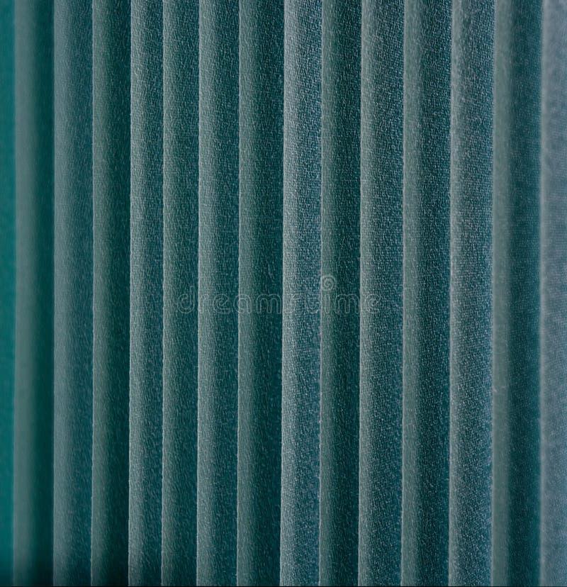 Abat-jour de fenêtre verticaux verts de textile photographie stock libre de droits