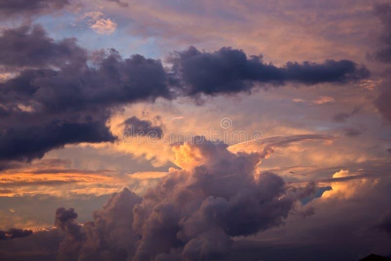 abbassamento del cielo fotografie stock
