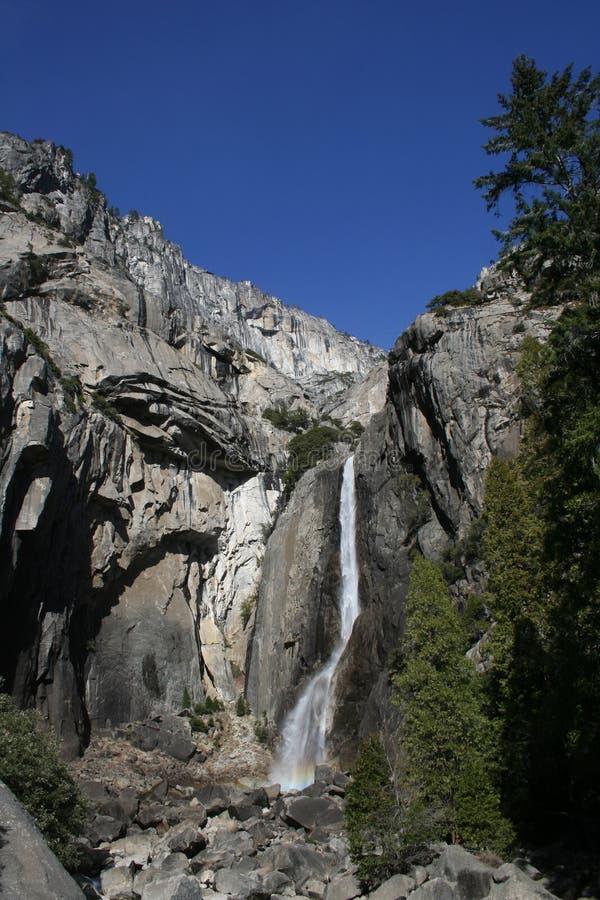 Abbassi il parco nazionale di Yosemite di Yosemite Falls fotografia stock