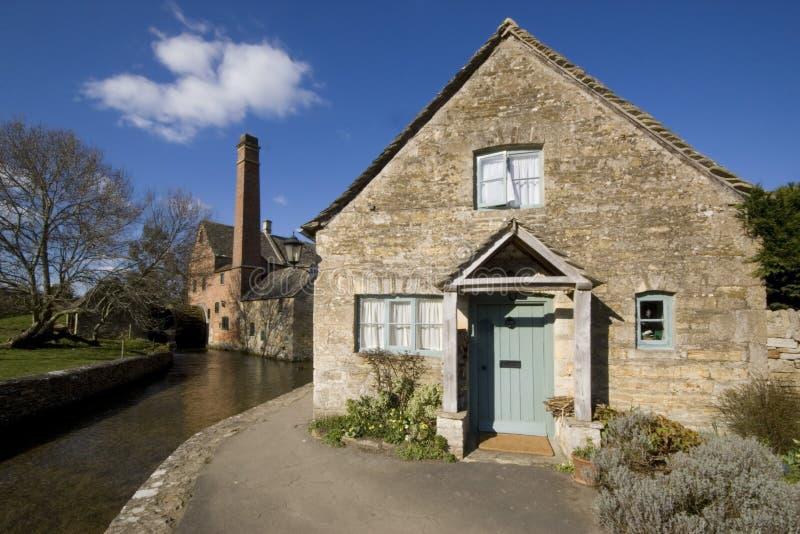 Abbassi il villaggio di macello il Cotswolds Gloucestershire le Midlands Inghilterra immagine stock libera da diritti