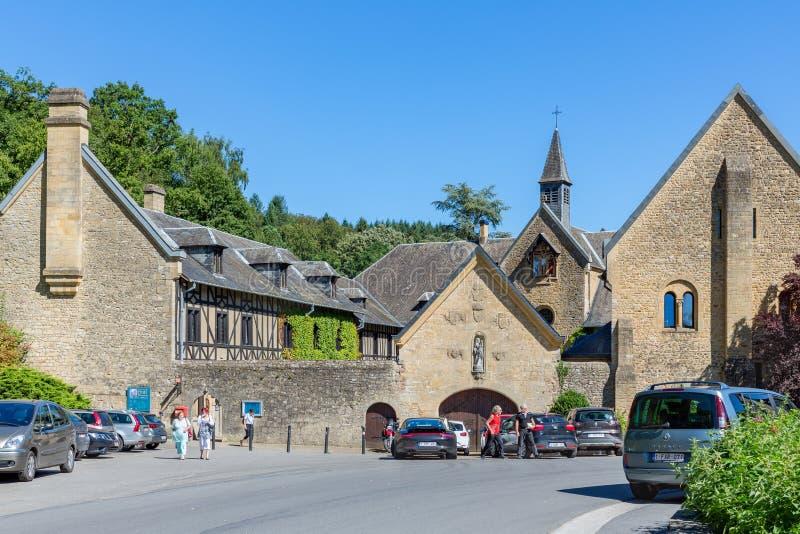 Abbaye célèbre d'Orval d'entrée dans le Belge Ardennes image stock