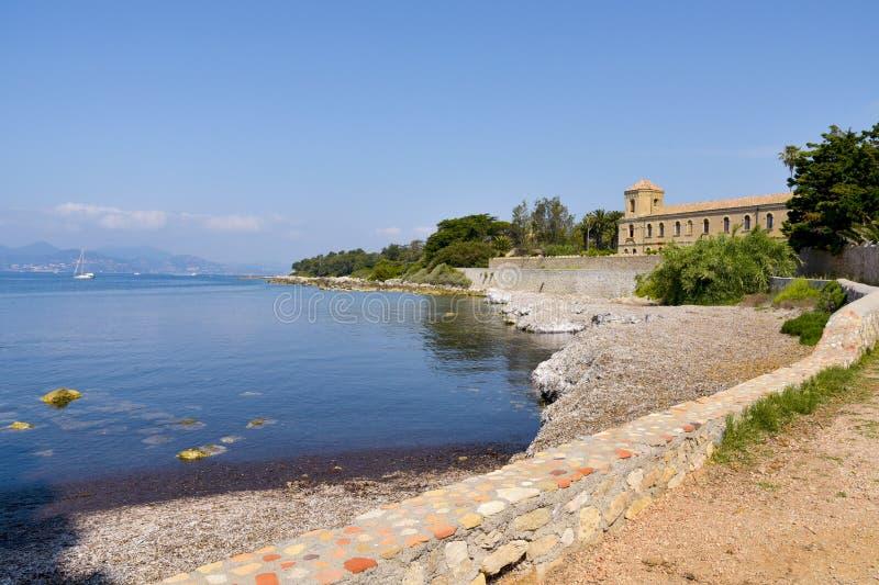 Abbaye de Lerins en île de saint-Honorat, France images stock