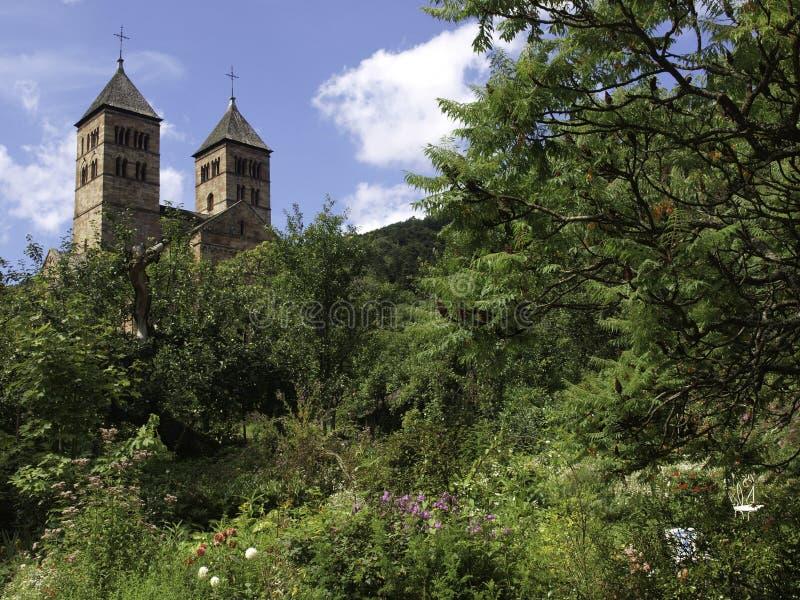 Abbaye De Murbach w Vosges w pięknym ogródzie obrazy stock