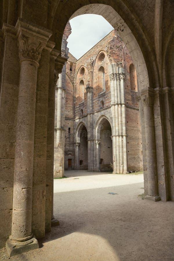 Abbazia della st Galgano (Abbazia di San Galgano), sguardo d'annata della Toscana, Italia immagine stock