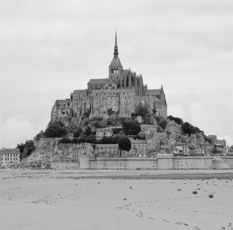 Abbazia e fortificazione uniche Mont St Michel, Normandia fotografia stock libera da diritti