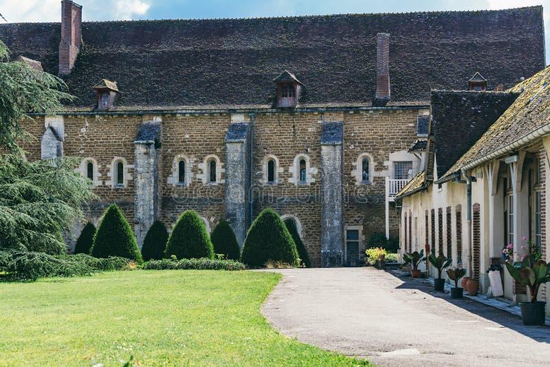 Abbazia in Francia Pontigny, la precedente abbazia Cistercense in Francia, immagini stock