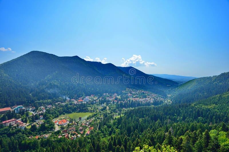 Abbellisca con la località di soggiorno di Baile Tunsad, la Transilvania, il distretto di Harghita, Romania immagine stock