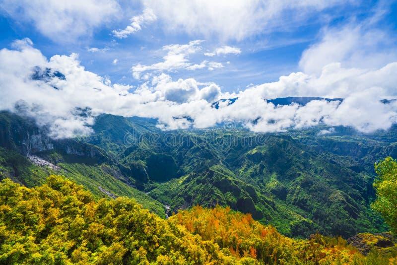 Abbellisca con la montagna del DES Neiges del chiodo da roccia, la La Reunion Island fotografia stock