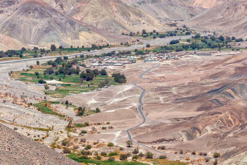 Abbellisca prima del raggiungimento della città di Pachica nel DES dell'Atacama immagini stock libere da diritti