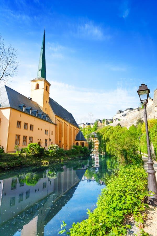 Abbey在阿尔泽特河河,卢森堡的de Neumunster 库存图片