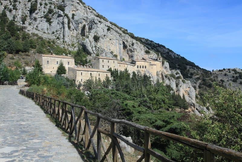 Abbey Santa Maria delle Armi royaltyfri bild