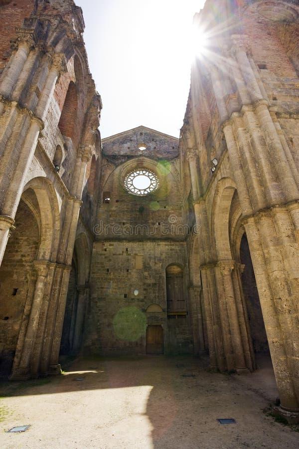 abbeygalgano inom roofless san tuscany arkivfoto