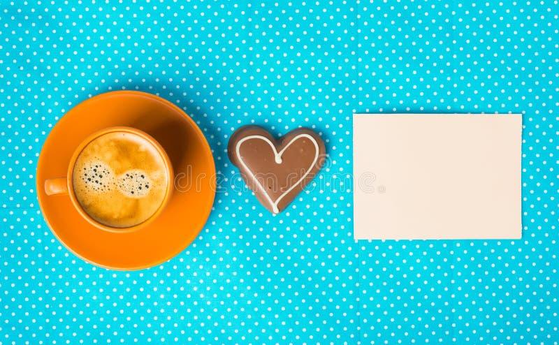 Abbia un giorno piacevole, buongiorno con la tazza di caffè fotografia stock libera da diritti