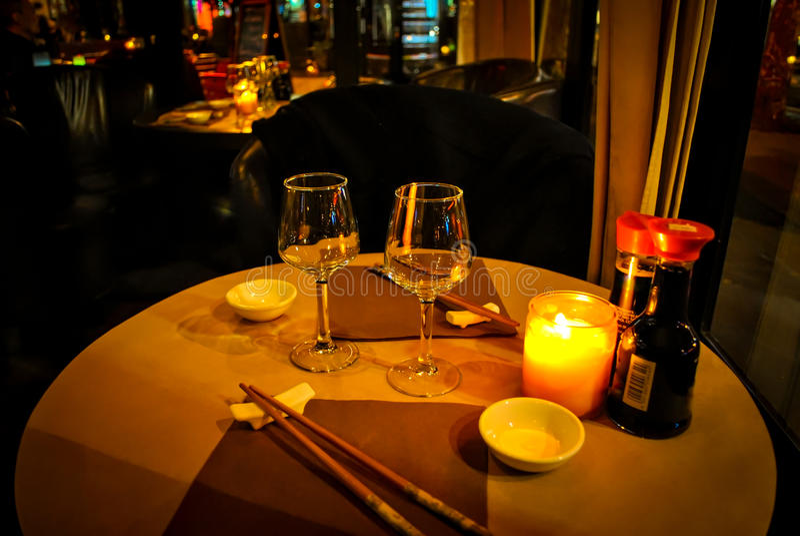Abbia una cena al ristorante giapponese fotografie stock