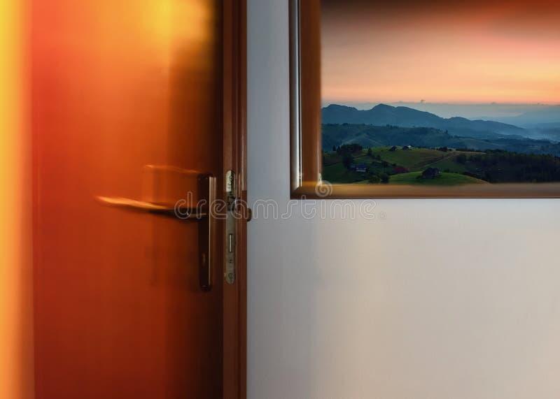 Abbildung durch Tür lizenzfreies stockfoto
