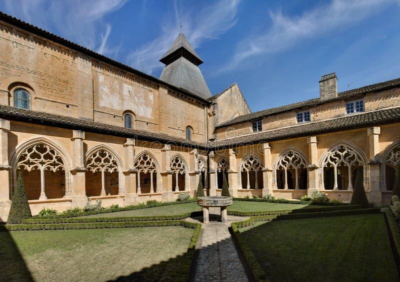 Abbotskloster av Cadouin - Dordogne - Frankrike royaltyfria foton