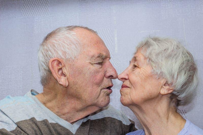 Donna datazione uomo vecchio