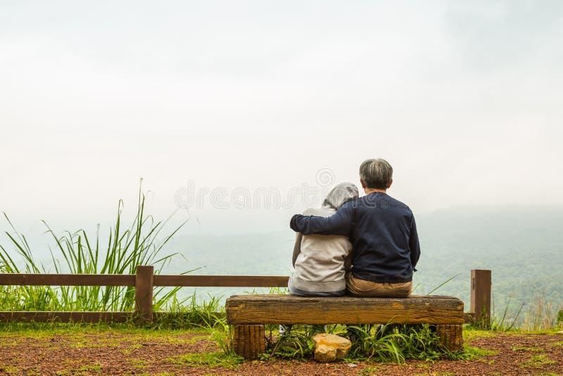 Abbraccio romantico immagine stock