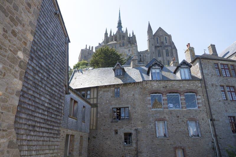 Abdij van Mont Saint Michel, lage hoekmening Normandië, Frankrijk royalty-vrije stock afbeeldingen