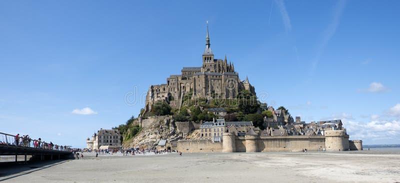 Abdij van Mont St Michel Mening van beroemd Le Mont Saint-Michel, Brittany Normandy France stock foto