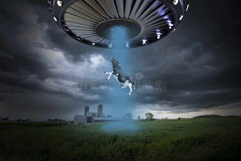 Abducção estrangeira surreal engraçada do UFO fotografia de stock