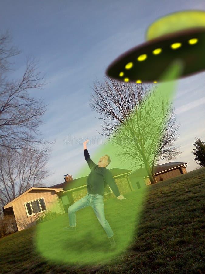 Abduzione straniera del UFO sulla macchina fotografica mobile del telefono delle cellule fotografia stock libera da diritti