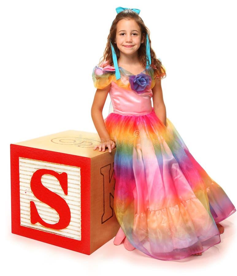 abecadła piękna bloków dziewczyna listowy s fotografia stock
