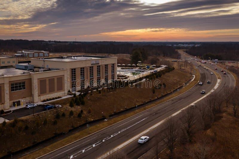 Abejón del cielo de la salida del sol en la carretera New Jersey de Plainsboro fotos de archivo libres de regalías