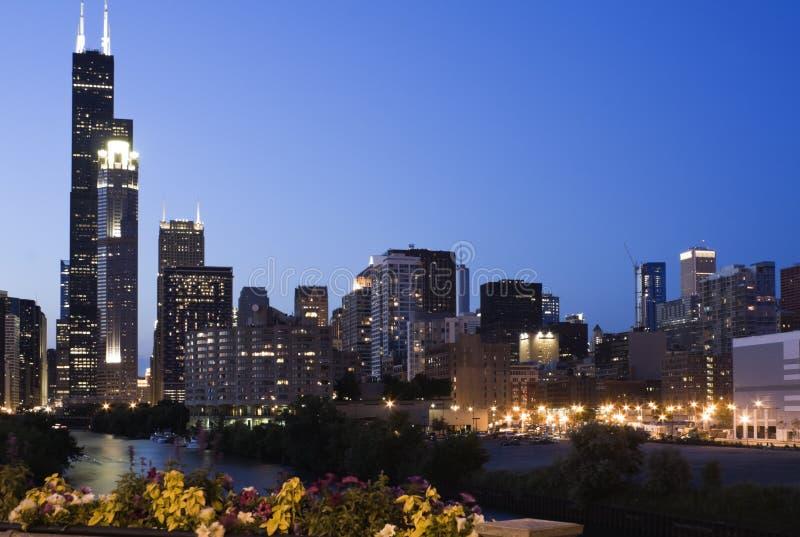 Abend in Chicago lizenzfreie stockbilder