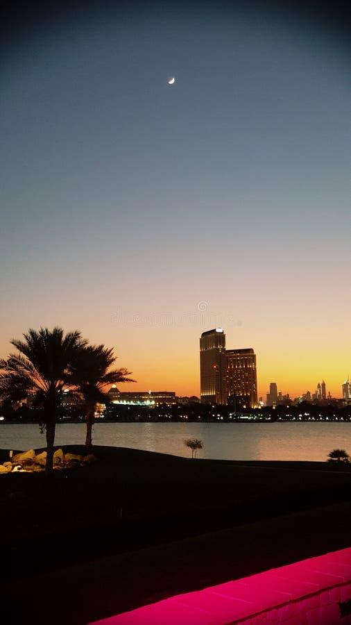 Abend in Dubai lizenzfreie stockfotos