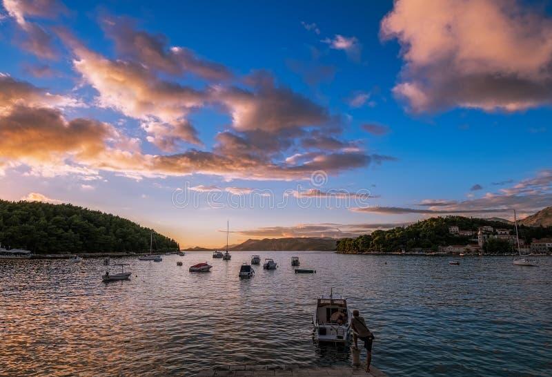 Abend in Kroatien E dubrovnik lizenzfreie stockbilder