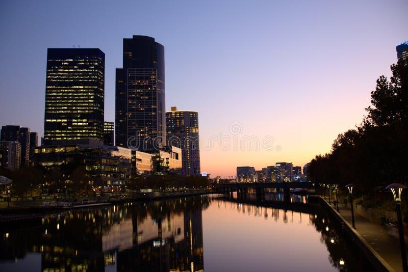 Abend in Melbourne CBD stockbild