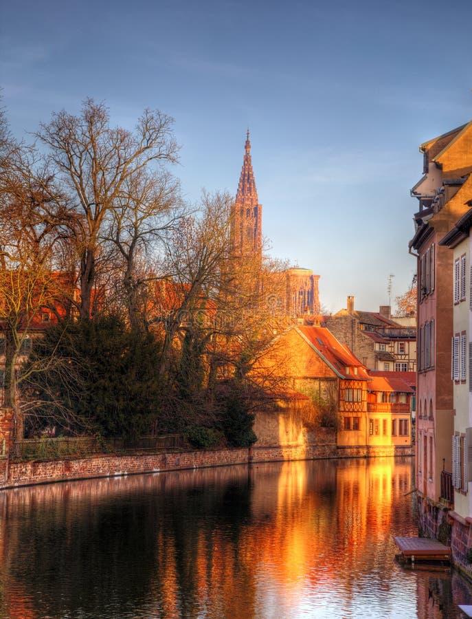 Abend-Reflexionen in Straßburg stockfoto