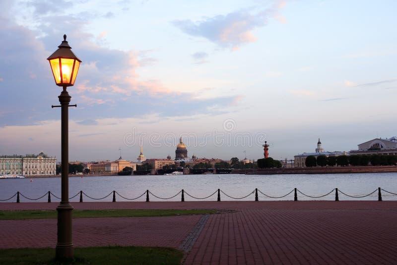 Abend in St Petersburg, Russland lizenzfreies stockfoto