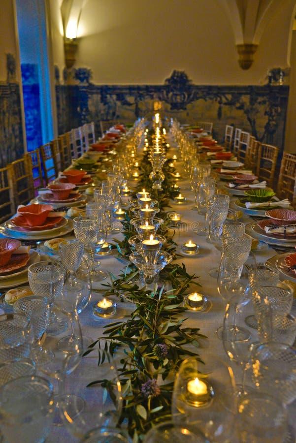 Abendessen, Bankettisch-Dekoration, Hochzeit oder Geburtstags-Ereignis stockfoto