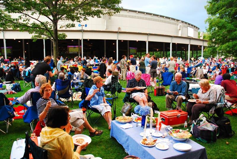 Abendessen am Tanglewood-Theater lizenzfreies stockfoto