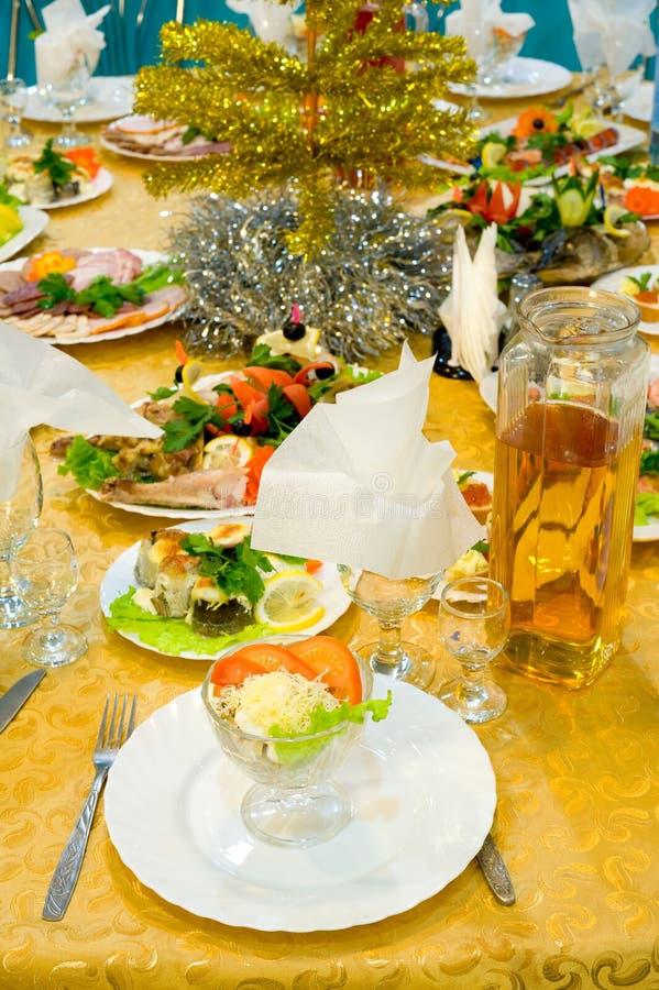 Abendessen wird gedient stockfotografie