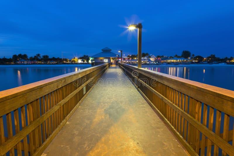 Abendlicht auf dem Fischenpier im Fort Myers Beach lizenzfreies stockbild