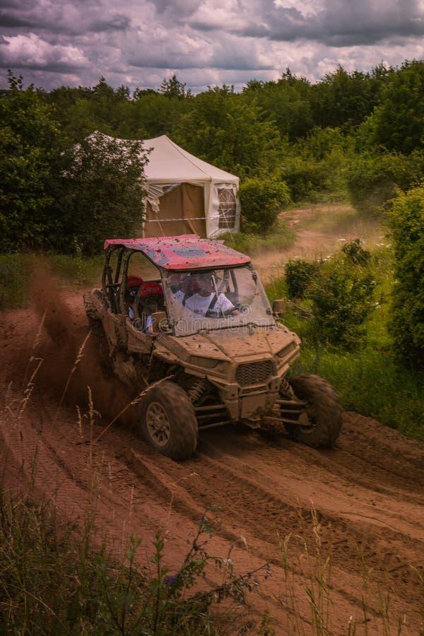 Abenteuer und Messe 4WD nicht für den Straßenverkehr in schlechtem Kissingen lizenzfreies stockbild