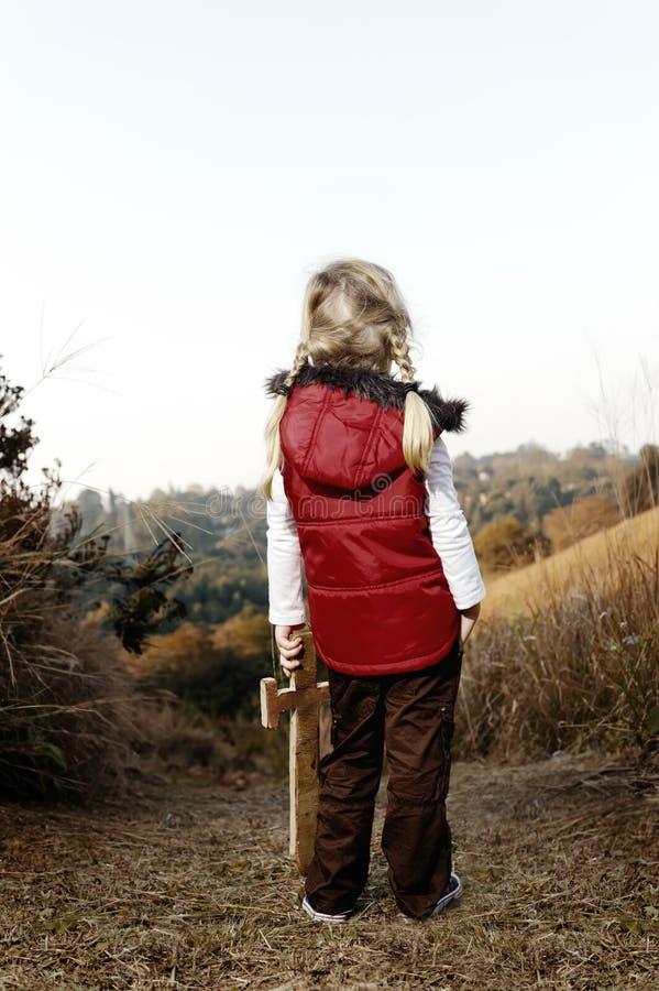 Abenteuerkind draußen stockfoto